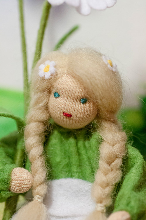 bk_gaensebluemchen_blond_02